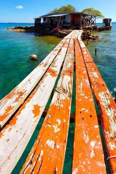Manihiki pearl island