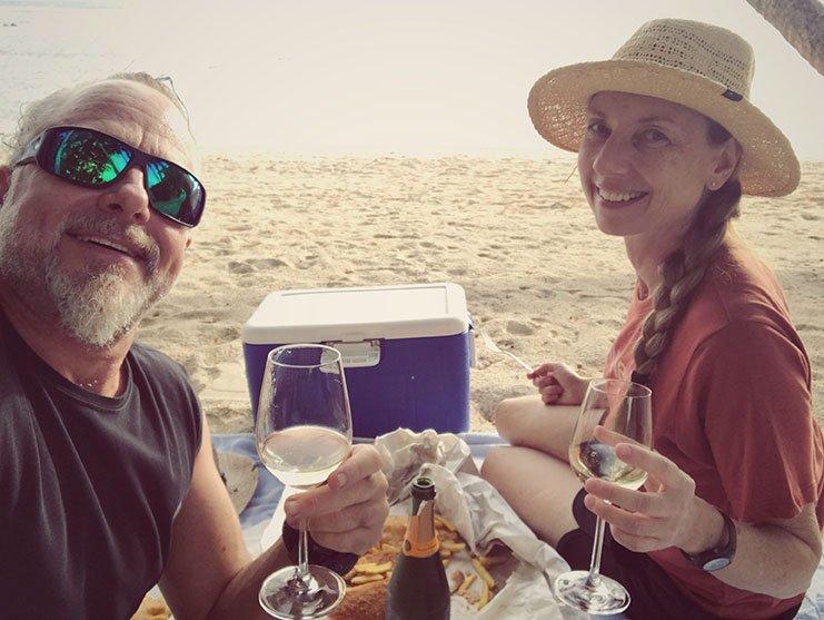 Beach-picnic-rarotonga-sunhave
