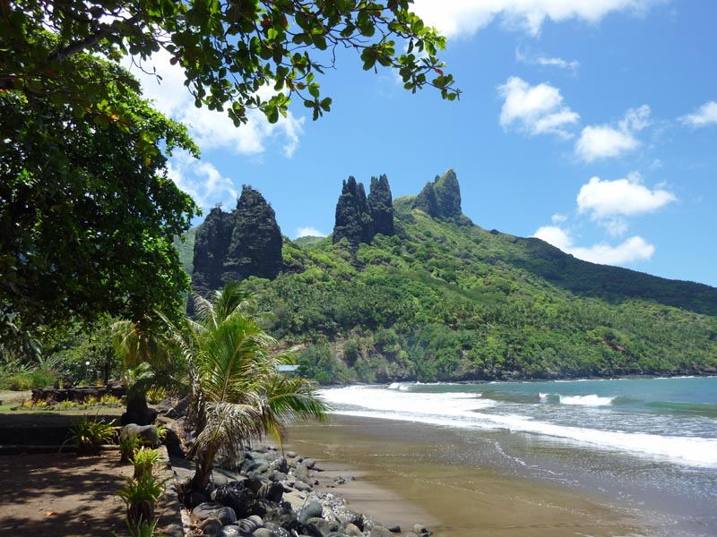 IslandAwe Marquesas Nuku Hiva Beach