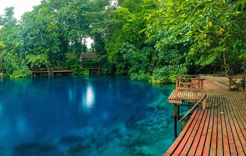 IslandAwe Vanuatu Espiritu Santo Blue Hole